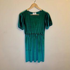 Old Navy Girls Green Short Sleeve Velvet Dress
